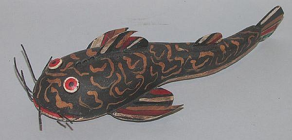 Folk art carved quot mud bug fish decoy