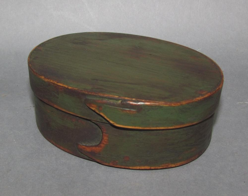 """Green painted oval """"Shaker-type"""" band box"""