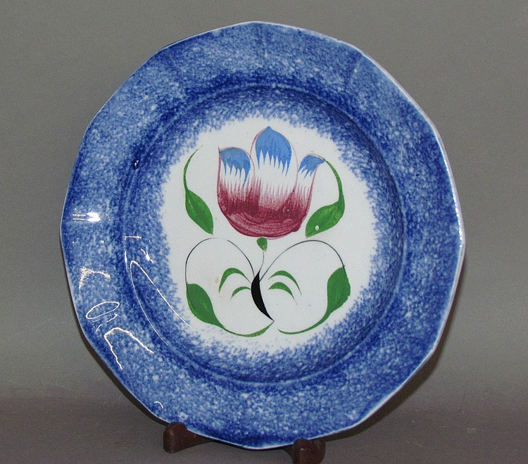 Small blue spatter plate, tulip motif