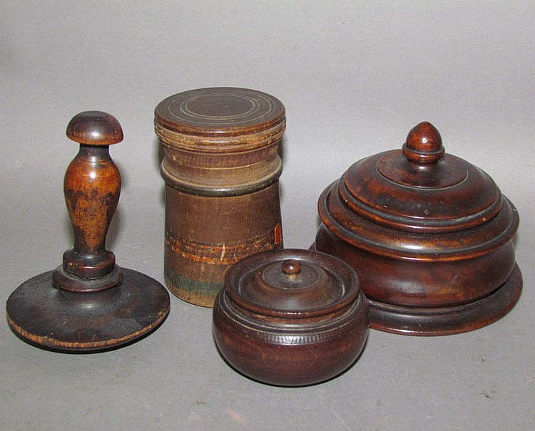 4 pieces of treenware