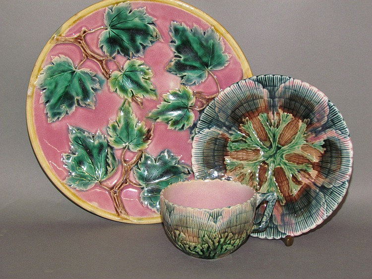 2 Etruscan Majolica earthenware items
