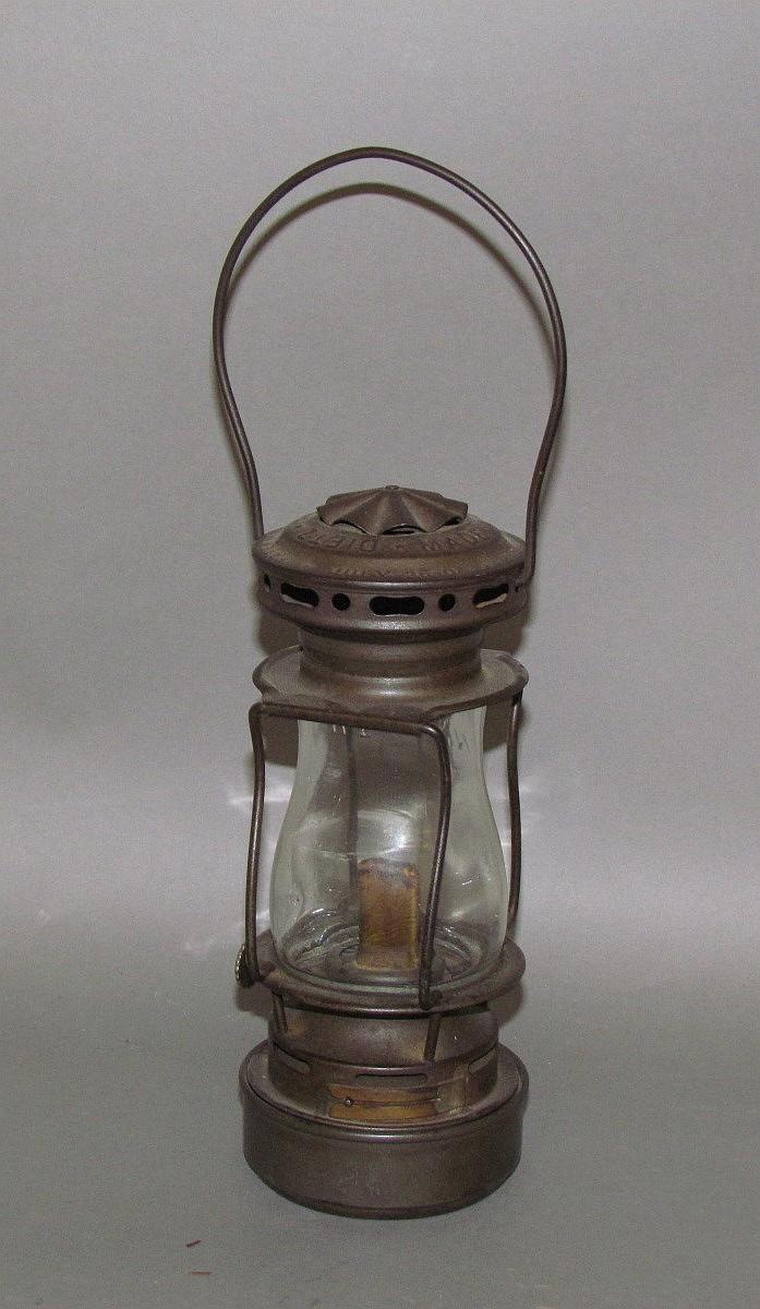 """Lot 110: Dietz """"Scout"""" lantern"""