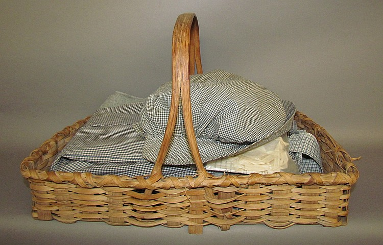 Flower basket & blue check linens