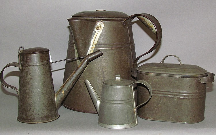 4 pieces of tinware