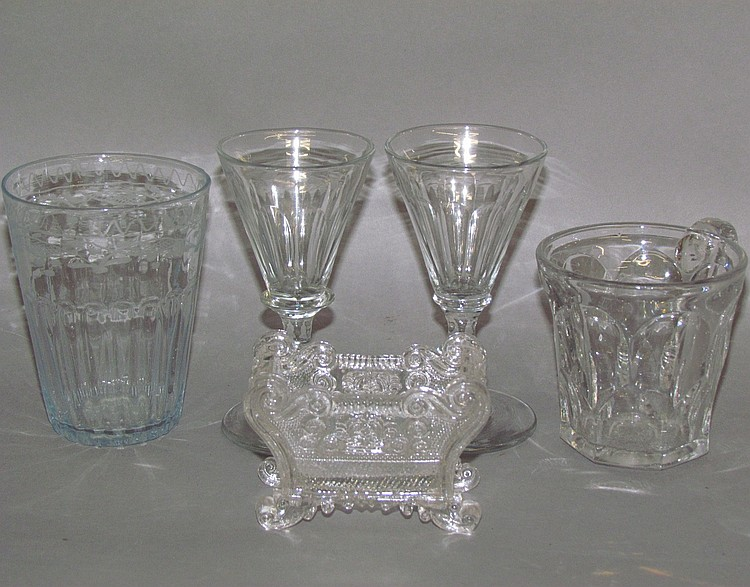 5 pieces uncolored glassware