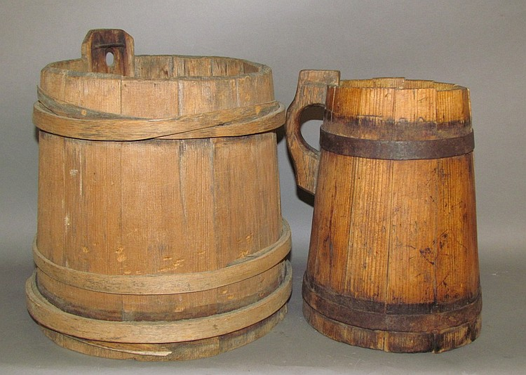 2 wooden primitives