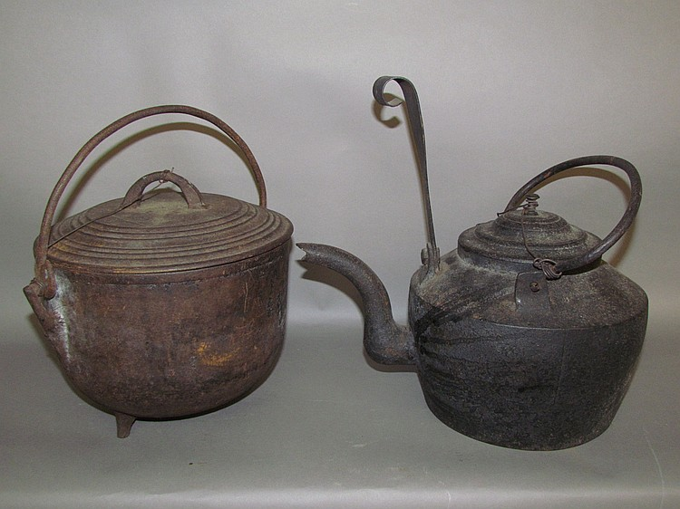 2 pieces of cast iron cookware