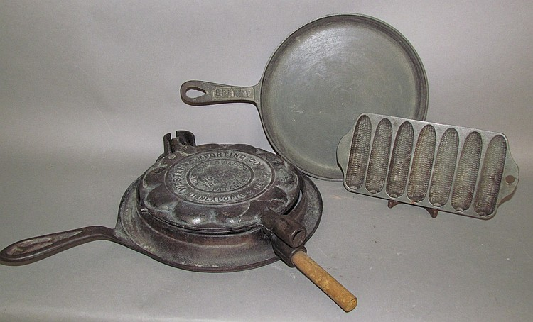 3 pieces of cast iron cookware