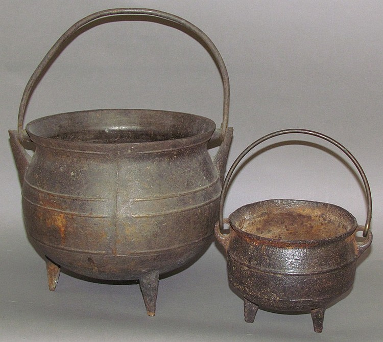 "Cast iron ""gypsy"" pot & tiny iron kettle"