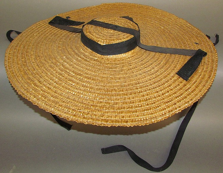 Woman's Straw Flat hat
