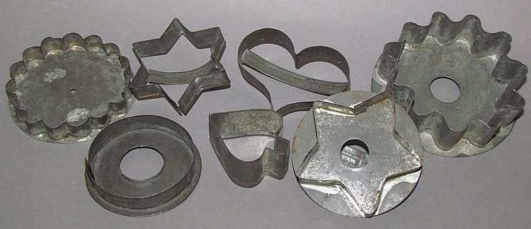 Lot of 7 cookie cutters