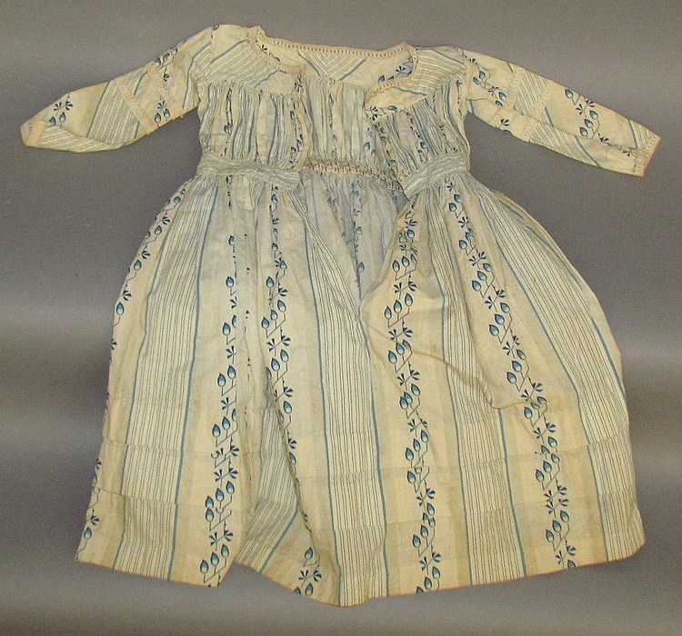 Young girl's dress