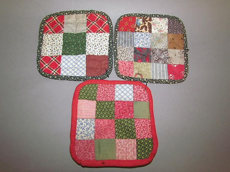 Three pieced hot pads