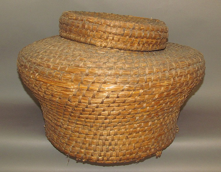 Ryestraw Lidded Basket