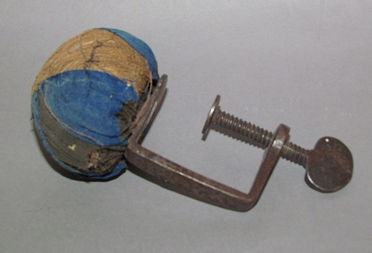 Wrought-iron sewing clamp