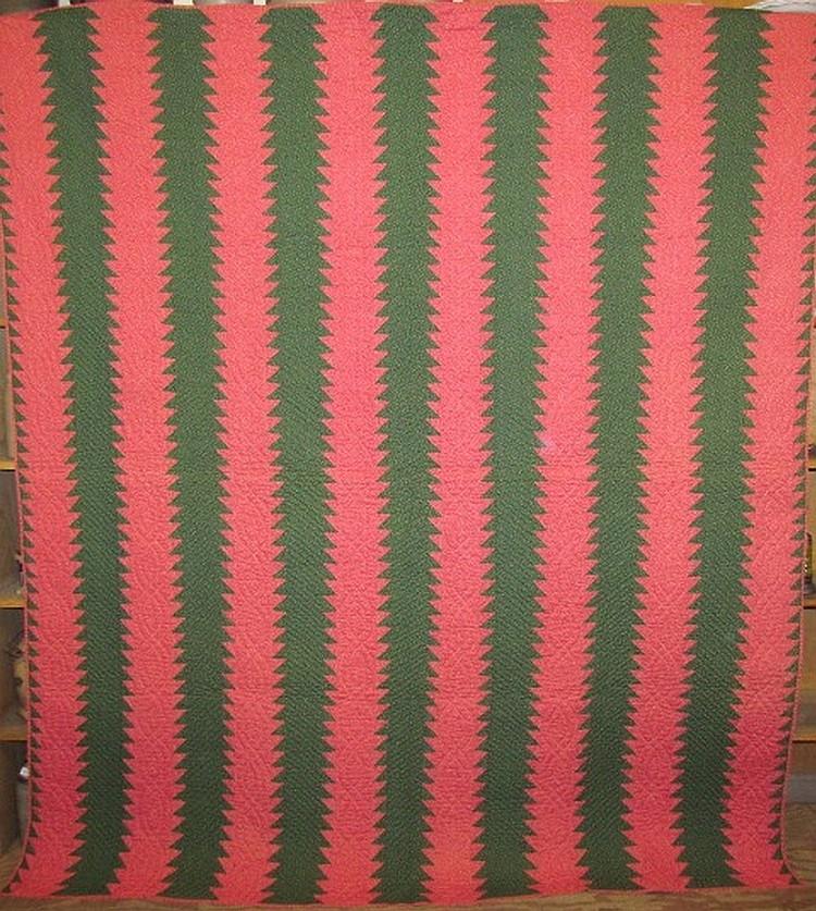 Sawtooth pattern quilt