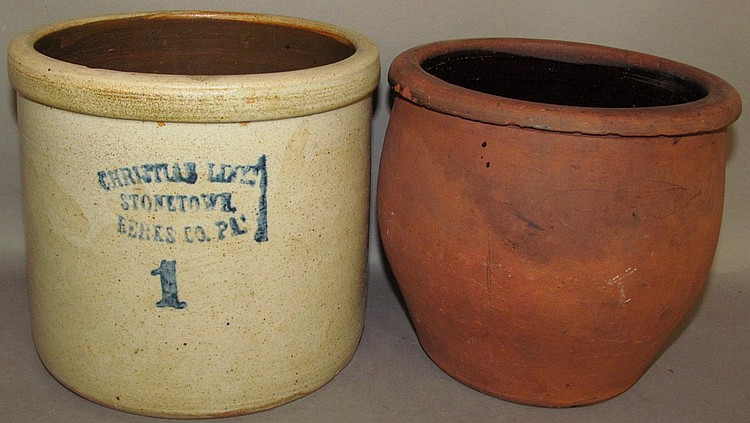 Lot 113: 2 pieces of Christian Link pottery
