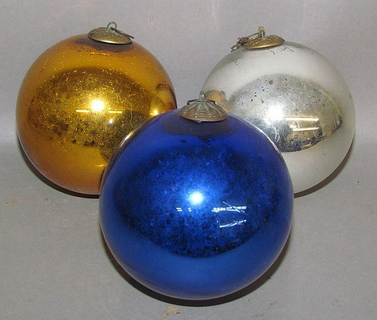 3 kugel ball shaped ornaments