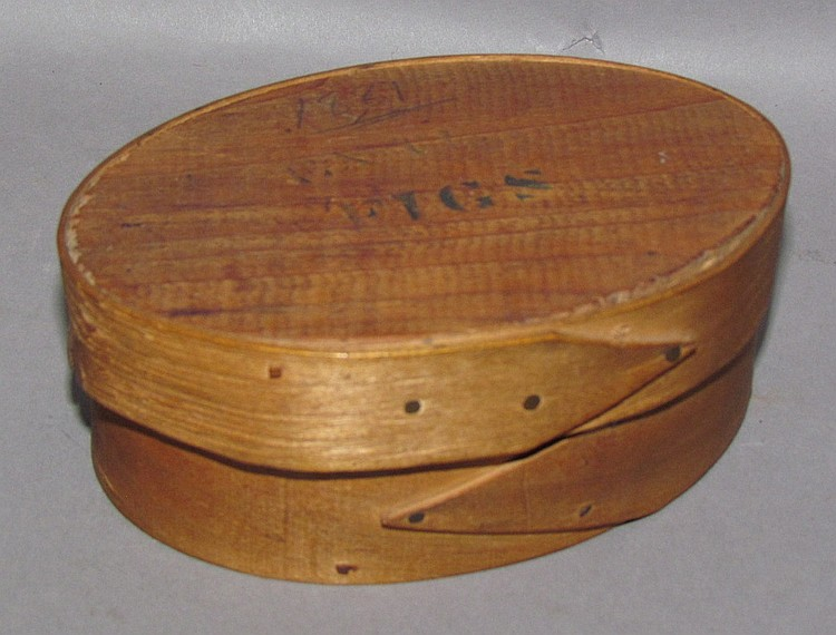Oval wooden figs pantry box