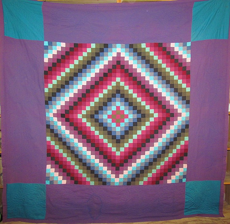 Lancaster Amish sunshine & shadow pattern quilt