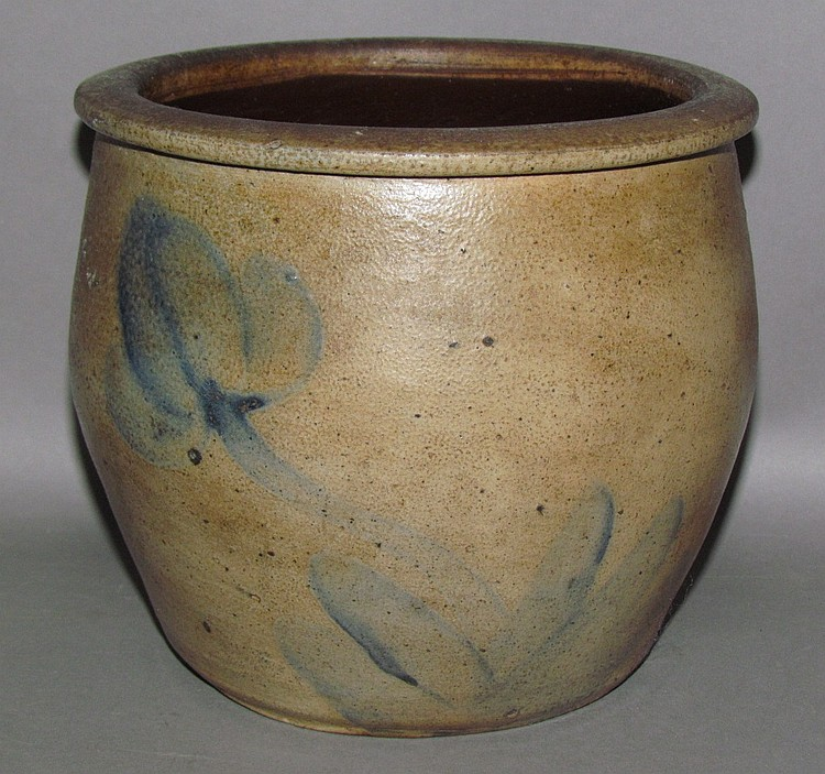 Cobalt decorated cream crock