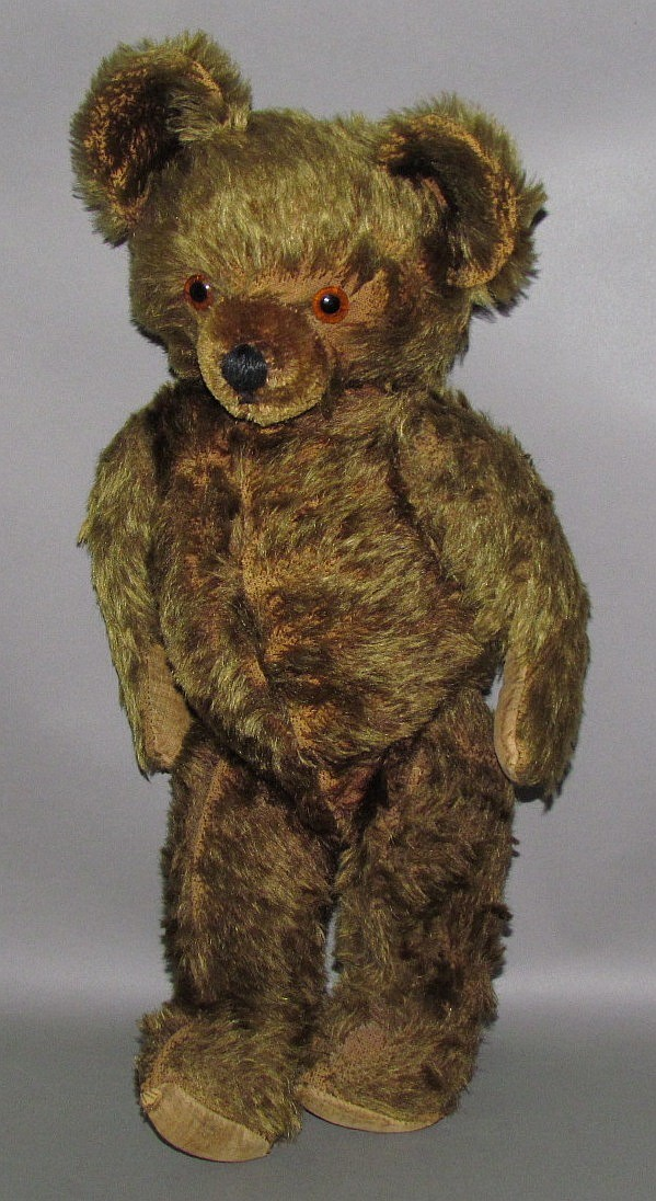 Knickerbocker type cinnamon mohair bear