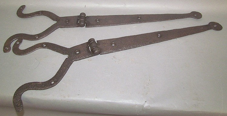 Pair of frog's leg strap hinges