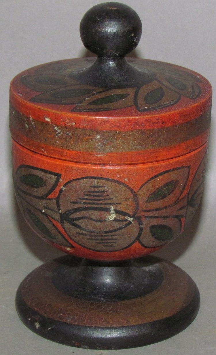 Lot 401: Paint decorated saffron cup