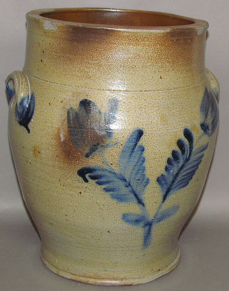 Lot 395: 3 gallon cobalt decorated stoneware crock