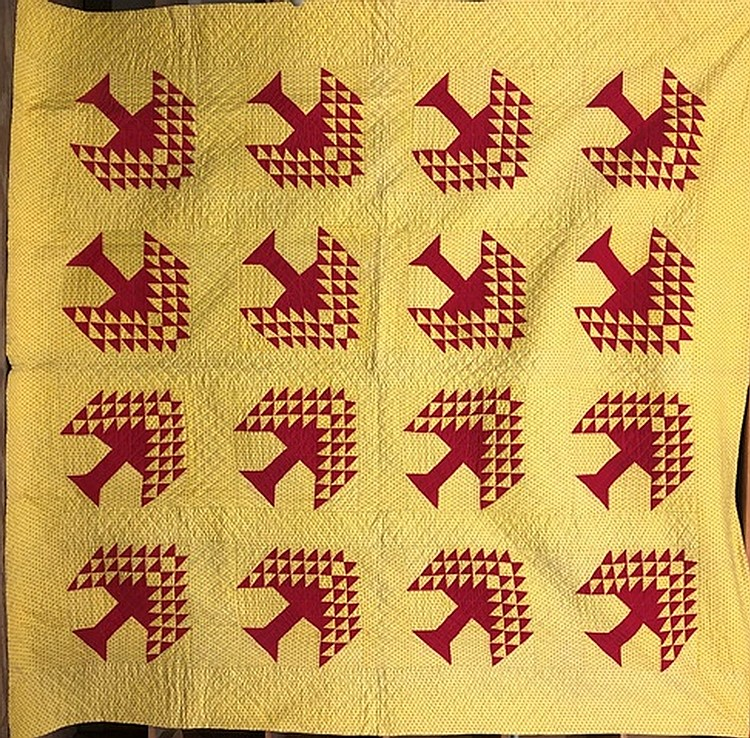 Lot 453: Pieced tree pattern quilt