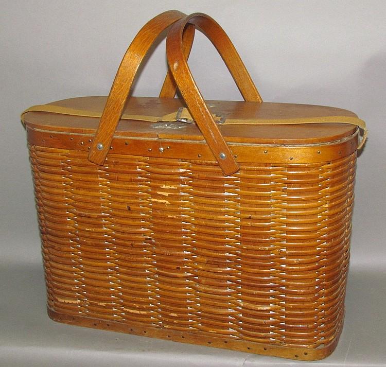 "Hawkeye ""refrigerator"" picnic basket"