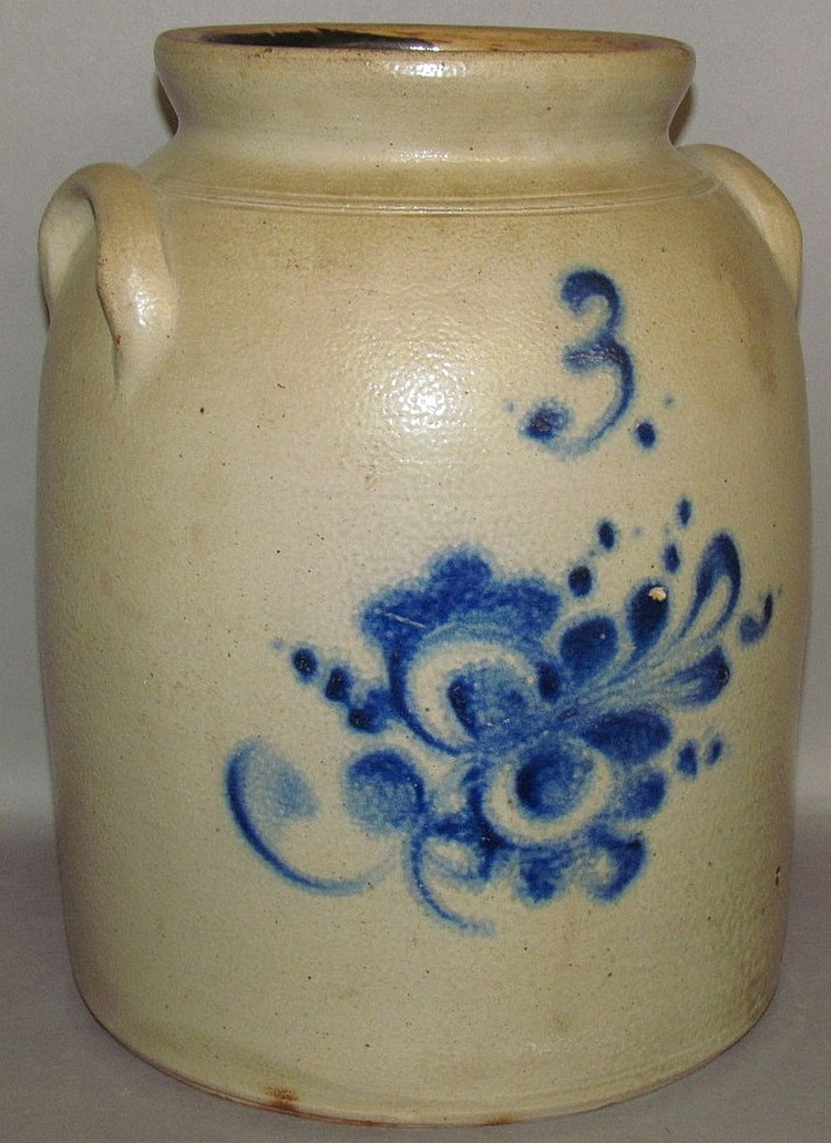 Lot 383: 3 gallon cobalt decorated stoneware butter churn