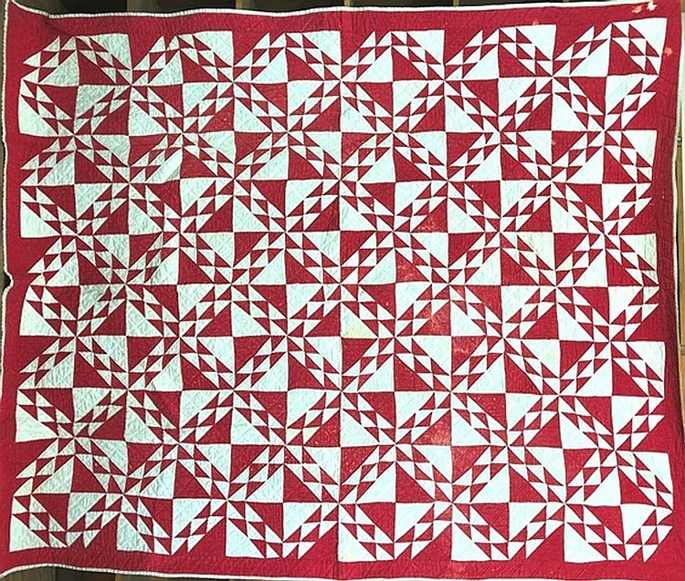 Lot 467: Pieced traingle block pattern quilt