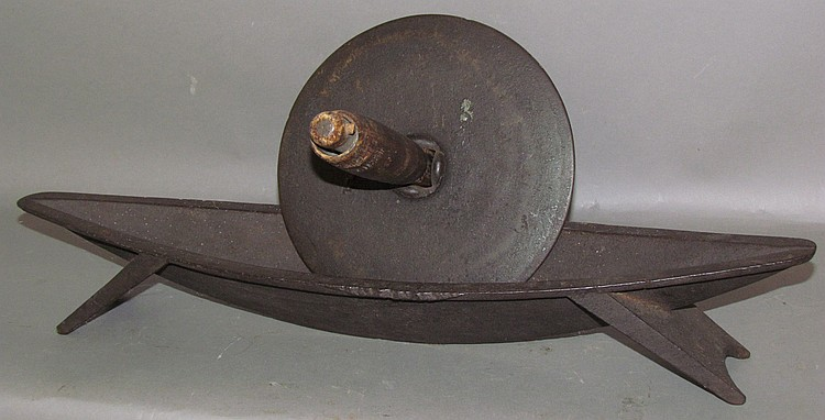 Lot 428: Cast iron herb mill