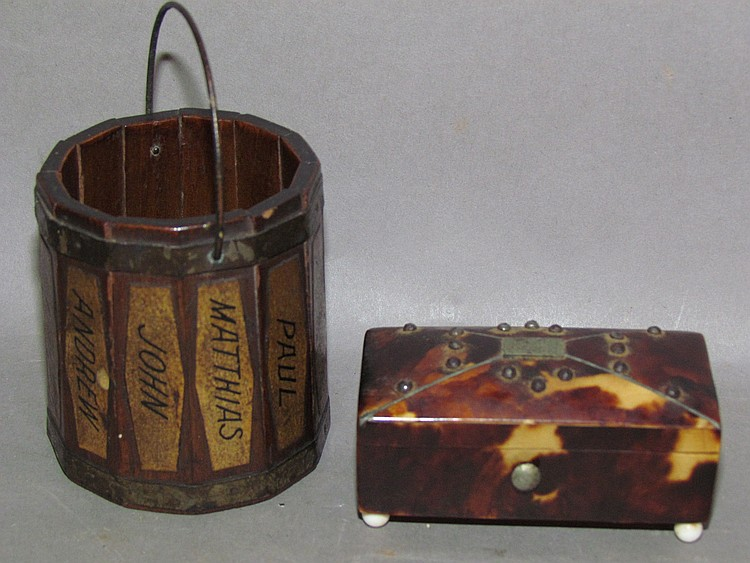 Lot 425: Small match holder bucket & snuff box