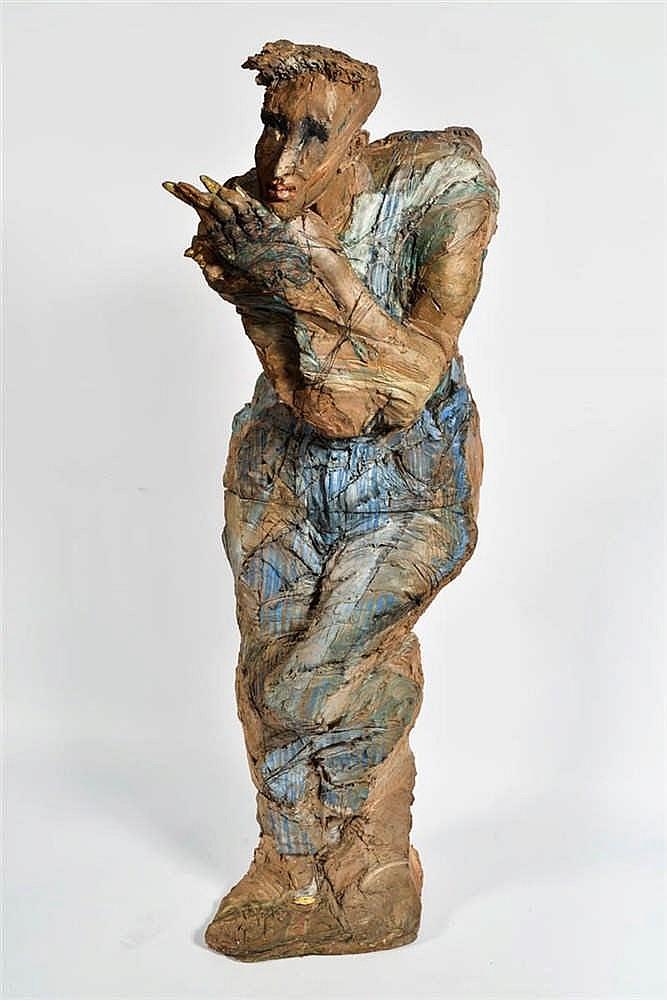 France et Hugues SIPTROTT (France 1950) Femme debout  Terre cuite sign