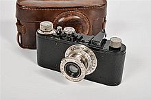 Fr:  un appareil photo leitz / leica I de 1930  En:  a camera L