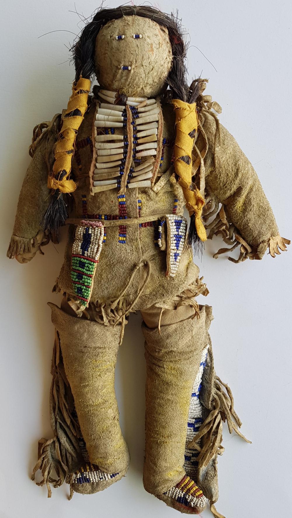 La Remise Aux Tissus Lyon sioux doll (warrior) 1880-1885