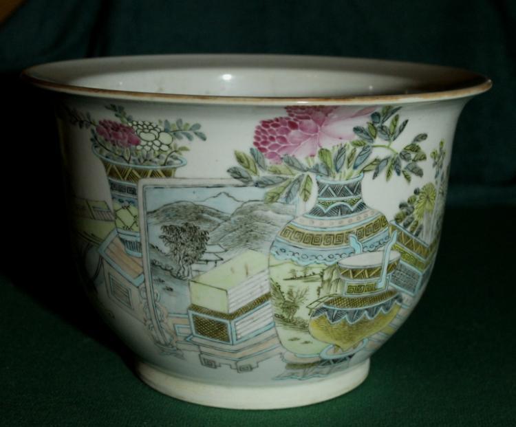 Chinese Famille Rose Flower Pot