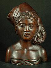 Highly Detailed Wood Carving - Lady