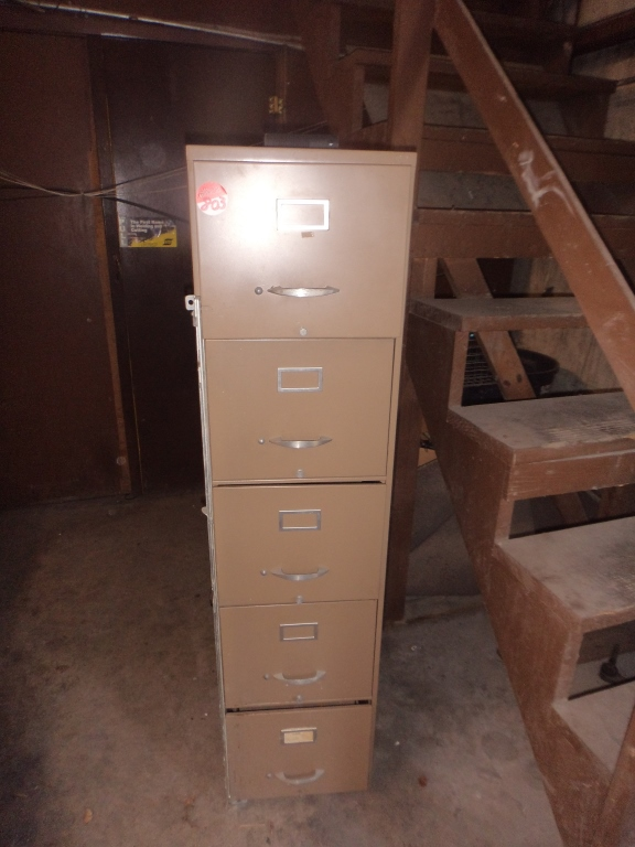 Horizontal file cabinet