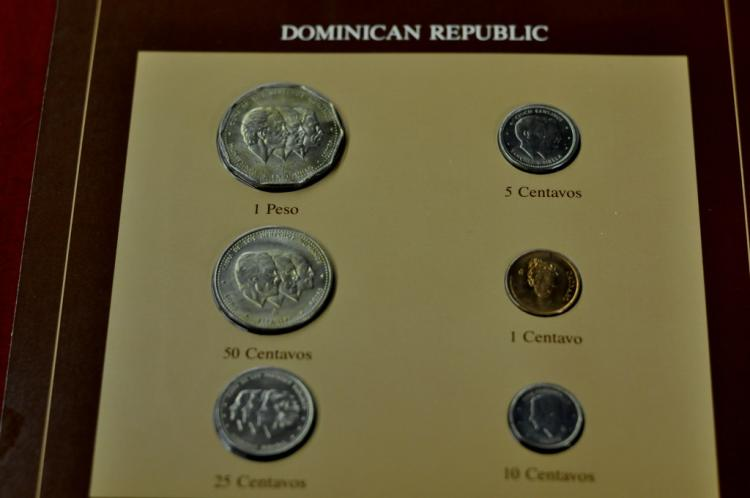 Coins of all Nations Dominican Republic