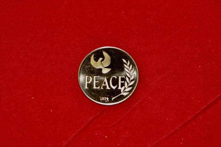 1974  Franklin Mint Peace Dove Bronze Medal