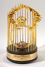 1995 Atlanta Braves World Series trophy (EX-EX/MT)