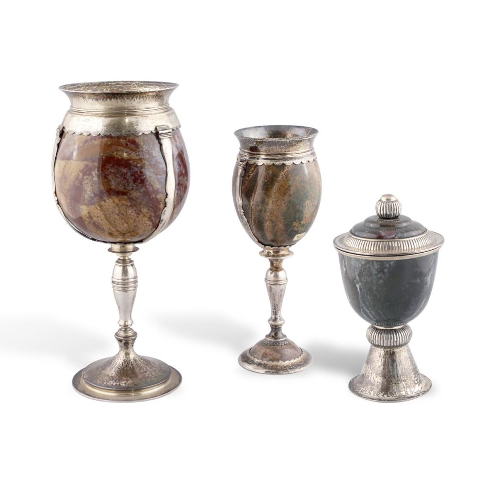 TWO GLASSES AND CUP WITH LID