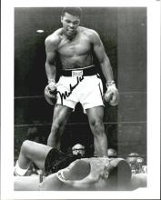 ALI VS LISTON SIGNED 8 X 10 PHOTO W/ CERTIFICATE. THIS