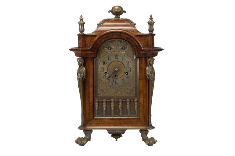 Anonyme pendule pendule viennoise poser cabinet en bois for Grande pendule en bois