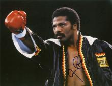 Aaron Pryor in Robe signed
