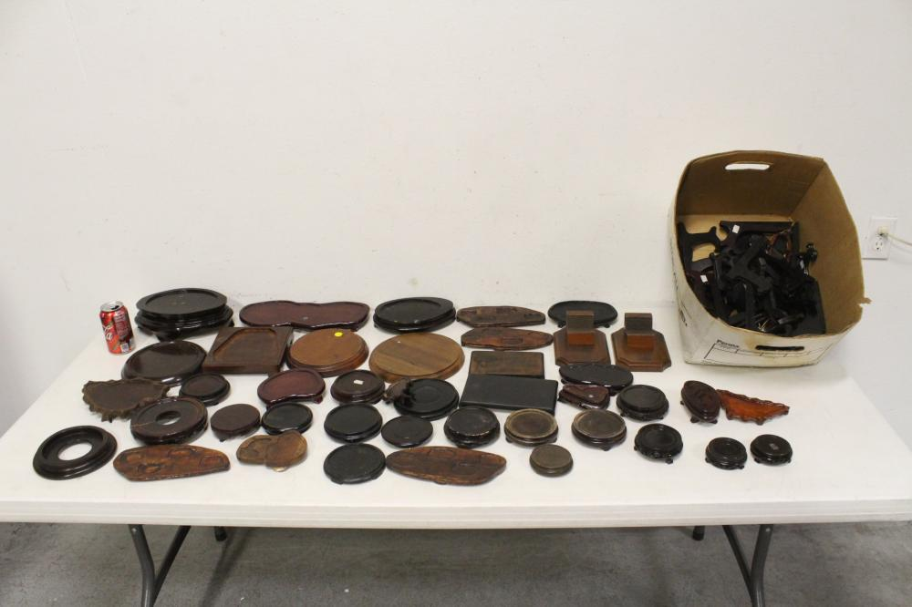 Lot of Chinese wood stands