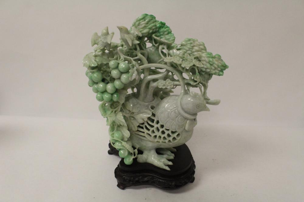 A beautiful Chinese jadeite carving